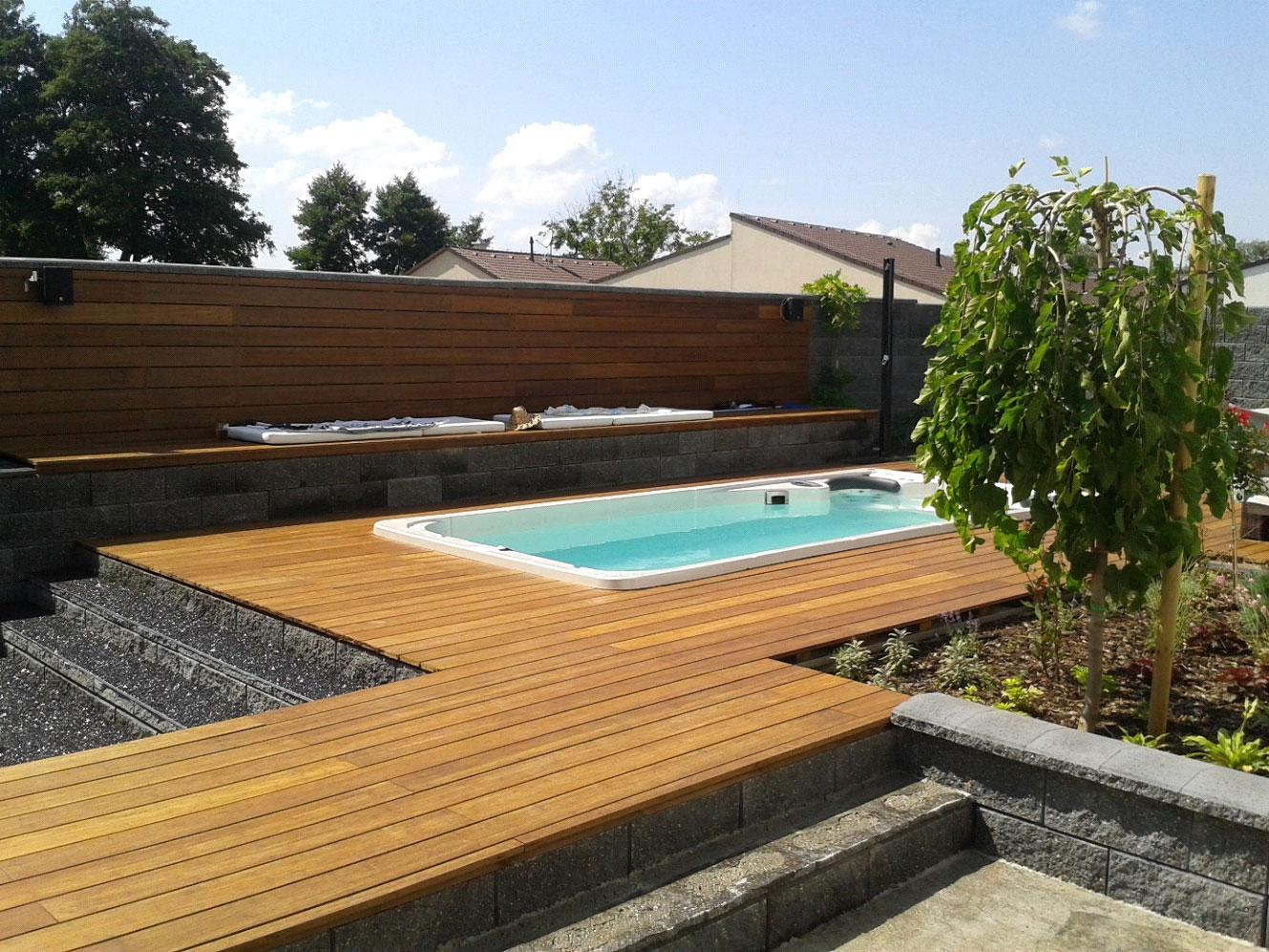 Bazén a vířivka na terase - realizace Bratislava